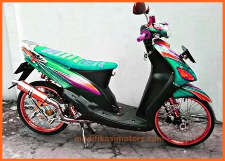 modifikasi-motor-mio-sporty-2009=biru-putih-sticker