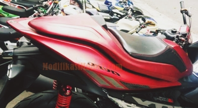 modifikasi-aerox-155-merah-single-seat