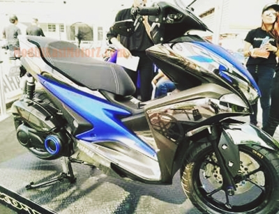 modifikasi-yamaha-aerox-155-biru-air-brush