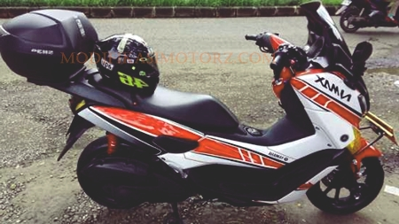 modifikasi-motor-yamaha-nmax-warna-putih-striping-merah