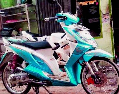 modifikasi motor beat karbu warna biru
