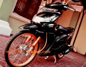 modifikasi motor beat karbu warna hitam