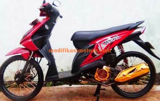 modifikasi motor beat standar warna putih biru