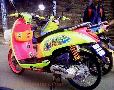 modifikasi-motor-scoopy-fi-thailook-kontes