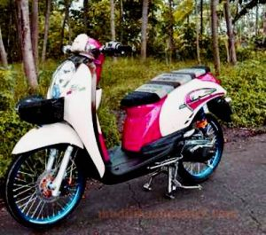 modifikasi-motor-scoopy-fi-thailook-simple