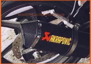 Modifikasi-Honda-CB150r-Knalpot-Racing-Akrapovic