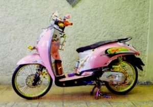 gambar-modifikasi-motor-scoopy-simple-airbrush