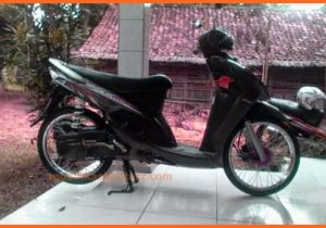 mio-sporty-modifikasi-warna-hitam-2007