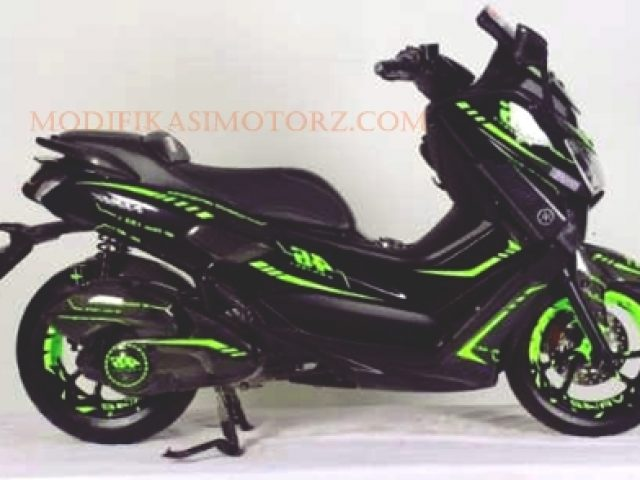 modifikasi yamaha nmax  hitam strip hijau